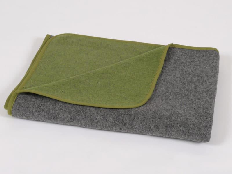 Almdeckerl Loden Grau und Grün