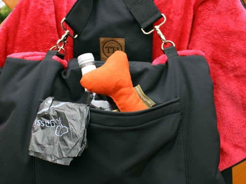 Traumhund® Picknick: Outdoordecke und Tasche Schwarz Rot Zusatztasche